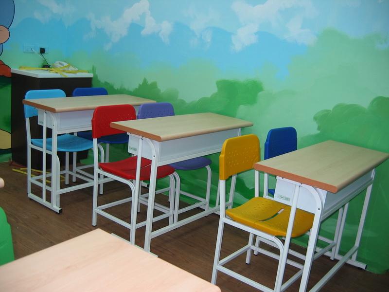 F102桌(100 X 40cm)+C23椅